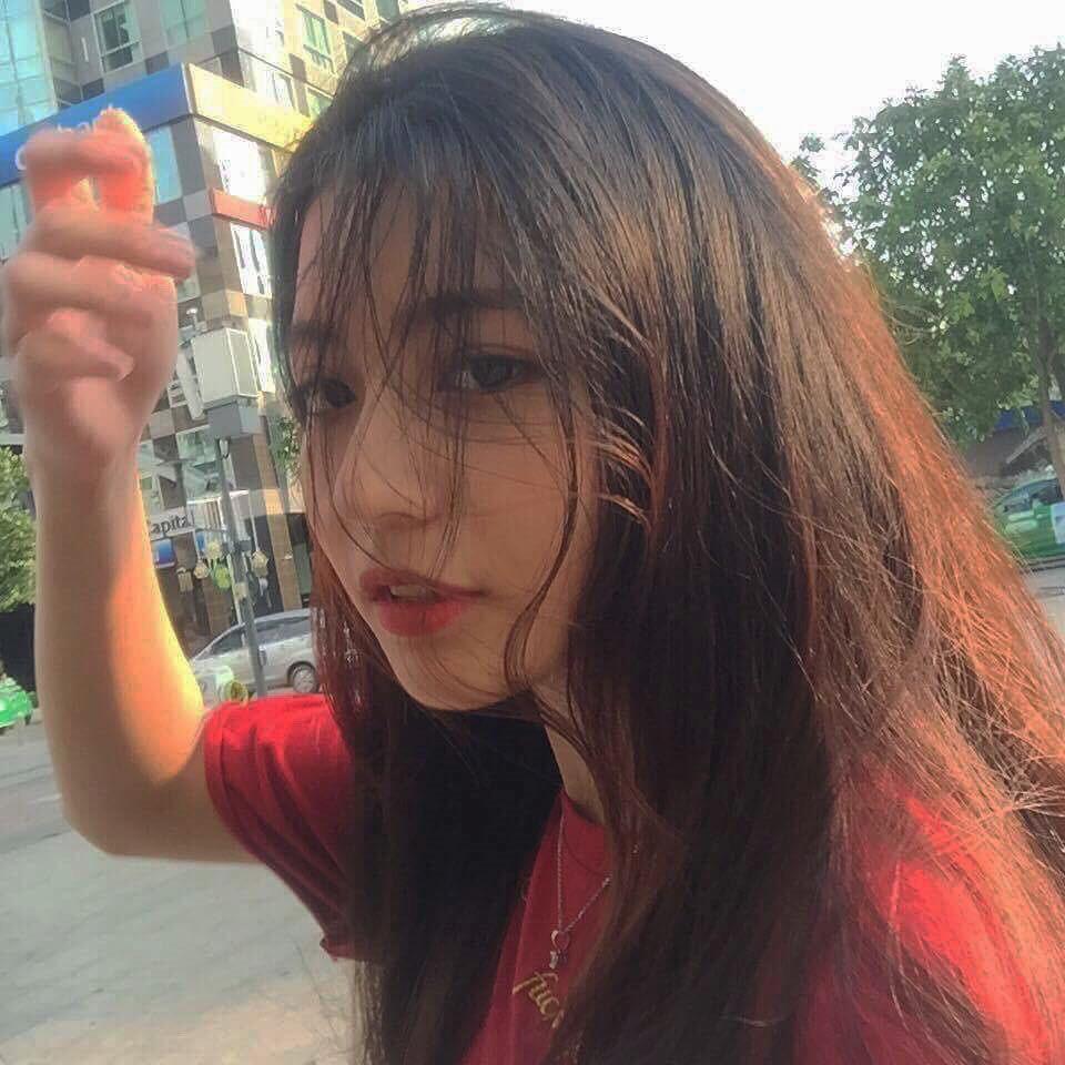 4 cô gái bằng tuổi Hoa hậu Trần Tiểu Vy xinh đẹp và nổi bật-18