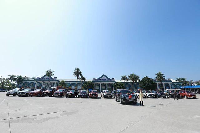 Choáng ngợp trước dàn siêu xe trong lễ ăn hỏi của cặp trai Quảng Ninh, gái Hải Phòng-1