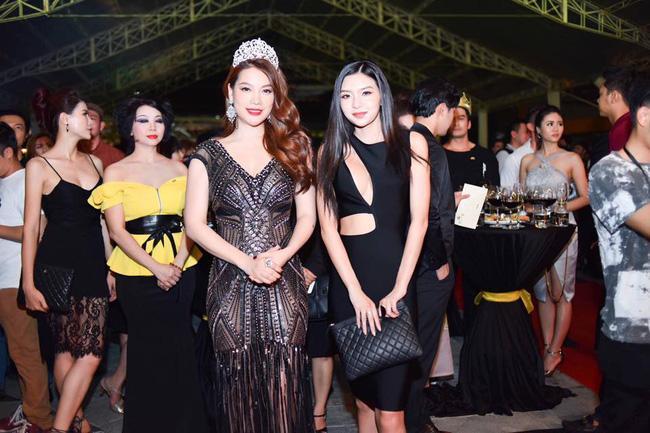 Hé lộ chân dung cô em họ Việt kiều nóng bỏng của Trương Ngọc Ánh-2
