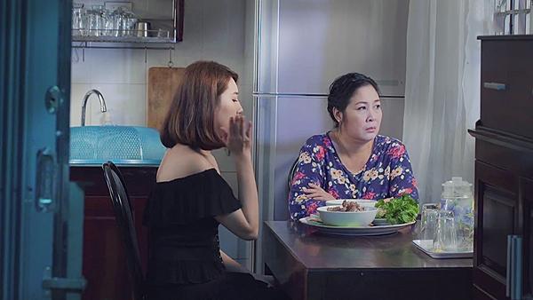 Gạo nếp gạo tẻ tập 60: Con gái tự tát vào mặt mình, nịnh nọt mẹ đẻ để chuộc lỗi hỗn láo-7