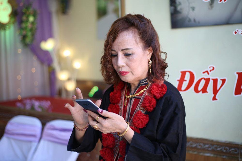 Cô dâu 61 tuổi ở Cao Bằng bật khóc khi kể chuyện được mẹ chồng đối xử như con gái ruột-2