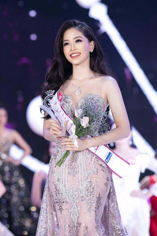 Á hậu Bùi Phương Nga có đủ đẹp để tranh vương miện Miss Grand 2018 khi đứng cạnh dàn mỹ nhân quốc tế?-1