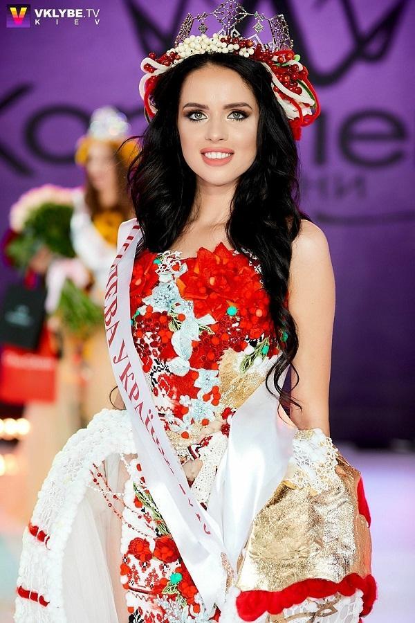 Á hậu Bùi Phương Nga có đủ đẹp để tranh vương miện Miss Grand 2018 khi đứng cạnh dàn mỹ nhân quốc tế?-9