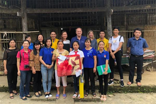 115 học bổng tặng HS dân tộc thiểu số tỉnh Cao Bằng-3