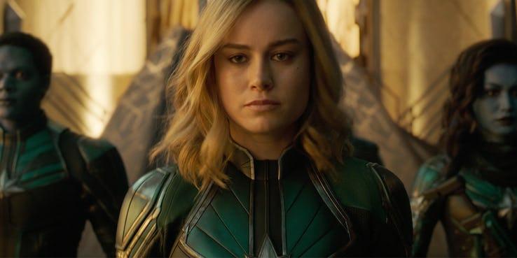 Câu hỏi lớn nhất cần giải thích: Bối cảnh của Captain Marvel được lấy vào năm nào?-3
