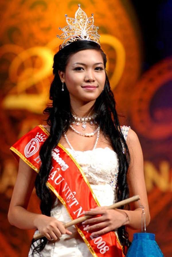 Ngắm lại thời khắc đăng quang của dàn Hoa hậu Việt Nam từ năm 1992 mới thấy nhan sắc Trần Tiểu Vy không phải dạng vừa-7