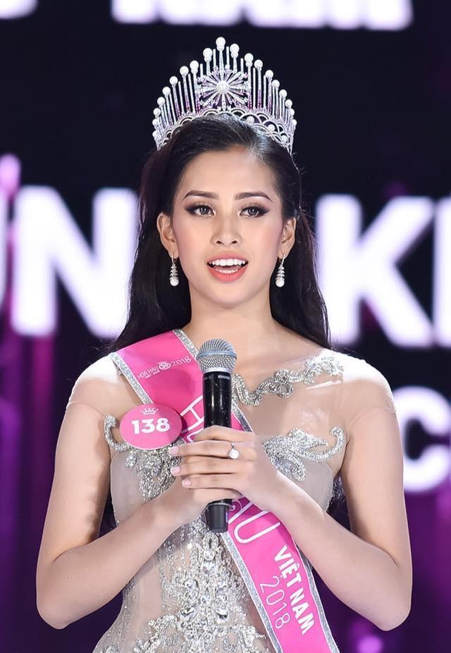 Ngắm lại thời khắc đăng quang của dàn Hoa hậu Việt Nam từ năm 1992 mới thấy nhan sắc Trần Tiểu Vy không phải dạng vừa-1