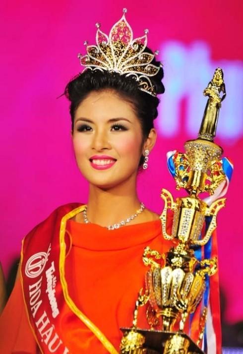 Ngắm lại thời khắc đăng quang của dàn Hoa hậu Việt Nam từ năm 1992 mới thấy nhan sắc Trần Tiểu Vy không phải dạng vừa-6