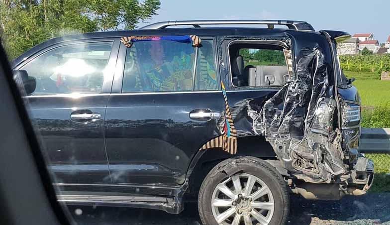 Tài xế xe tải lý giải vì sao đâm xe Lexus biển tứ quý 8-4