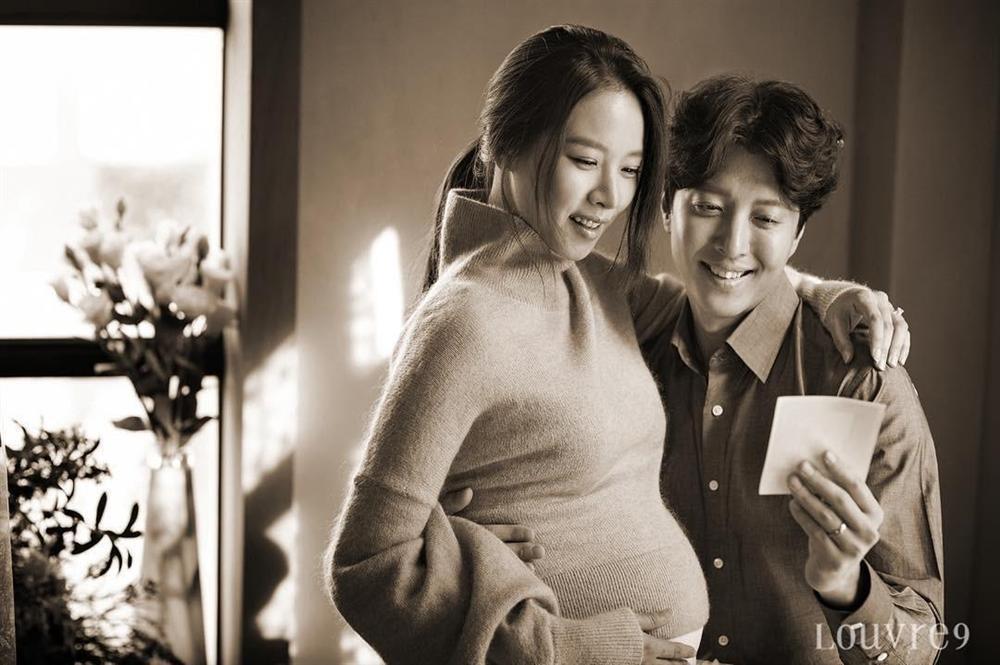 Lee Dong Gun và Jo Yoon Hee khoe ảnh con gái cực đáng yêu-2