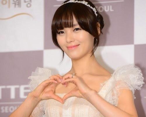 Lee Dong Gun và Jo Yoon Hee khoe ảnh con gái cực đáng yêu-8