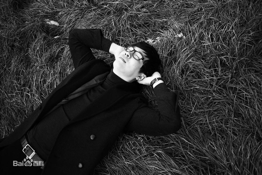 Chuyện tình lấy nước mắt vạn người của tiểu thuyết gia nổi tiếng Trung Quốc Vì em, anh nguyện yêu cả thế giới-2