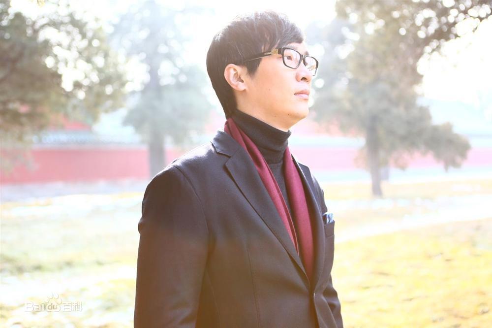 Chuyện tình lấy nước mắt vạn người của tiểu thuyết gia nổi tiếng Trung Quốc Vì em, anh nguyện yêu cả thế giới-4