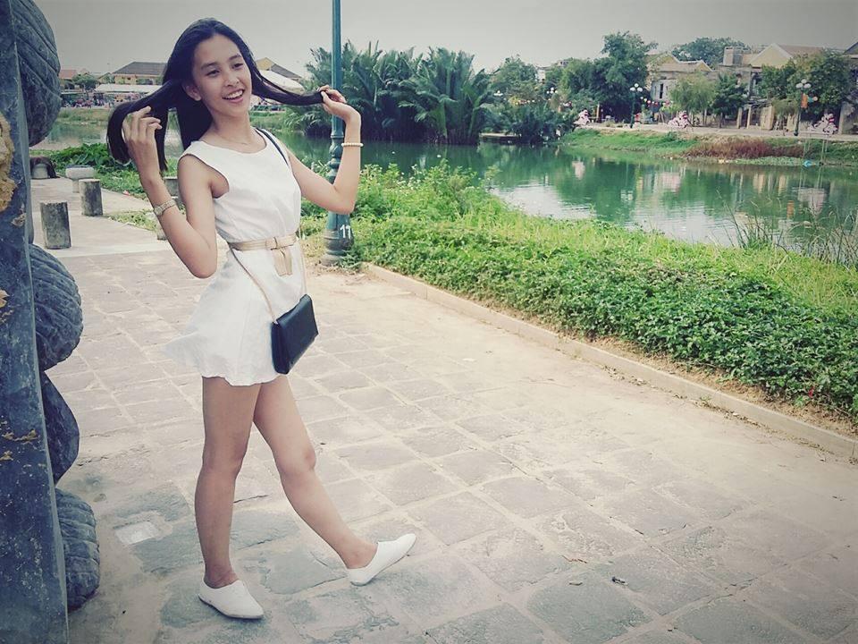 Loạt hình nhí nhảnh cá cảnh của Trần Tiểu Vy trước khi đăng quang Hoa hậu Việt Nam 2018-10