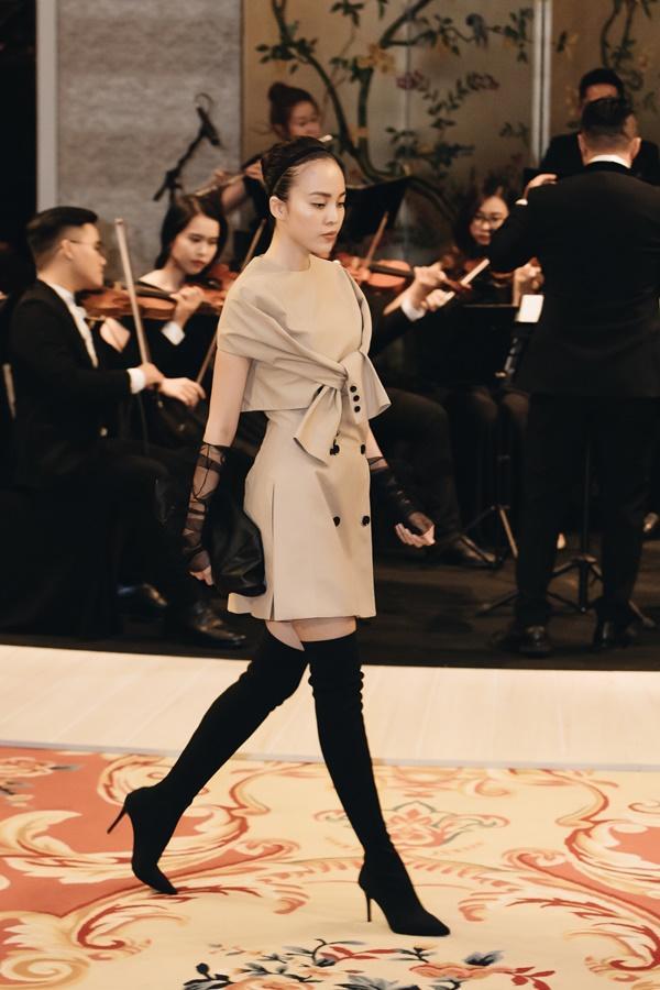 Lệ Hằng lâu lắm mới catwalk nhưng đã diễn thời trang là làm luôn vedette-10