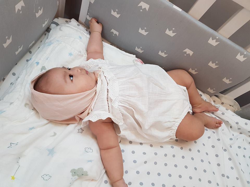 Lần hiếm hoi hotgirl Tú Linh công khai ảnh cận mặt tiểu công chúa 4 tháng tuổi-3