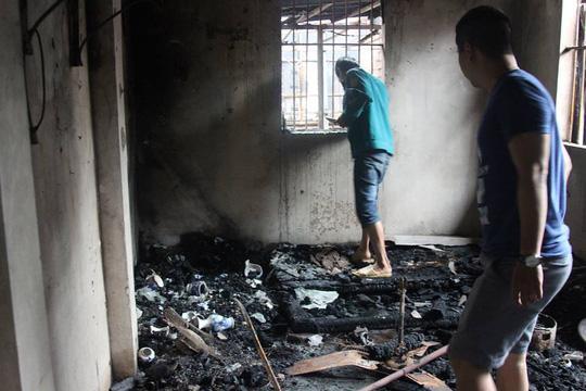 2 thi thể ở khu trọ cháy sát BV Nhi Trung ương là cặp vợ chồng chăm con sinh non-2