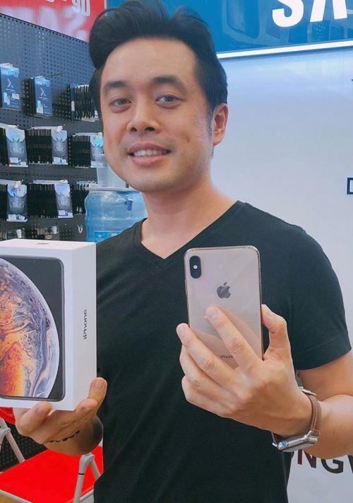 Những sao Việt đầu tiên chạm tay vào iPhone Xs, Xs Max nóng phỏng tay-4