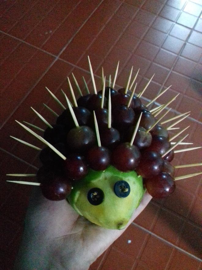 Đặc sản mùa Trung thu: Những mâm ngũ quả cắt tỉa vừa đáng yêu vừa kỳ dị khiến dân mạng chỉ biết ôm bụng cười-2