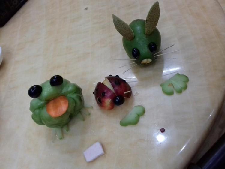 Đặc sản mùa Trung thu: Những mâm ngũ quả cắt tỉa vừa đáng yêu vừa kỳ dị khiến dân mạng chỉ biết ôm bụng cười-7