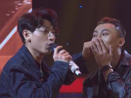 'Choáng váng' trước cảnh Isaac 'khóa môi' nam thí sinh ngay trên sân khấu