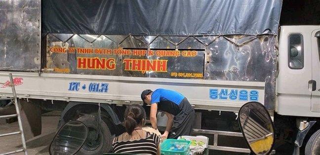 Tố cáo bị bảo kê, tiểu thương chợ Long Biên bị khủng bố-3