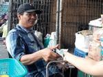Vì sao tiểu thương chợ Long Biên phải è cổ nộp trăm triệu bảo kê?-6