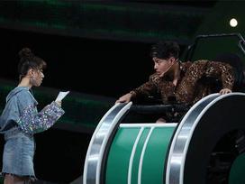 Trả lời sai, Lê Dương Bảo Lâm liên tục dọa tát Hari Won trên sóng truyền hình