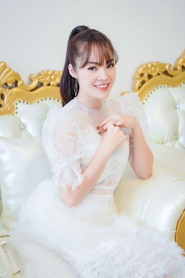 Đường tình lận đận của Dương Cẩm Lynh, cô gái từng bỏ nhà đi, tuyên bố sống chết vì yêu khi bố mẹ phản đối-7