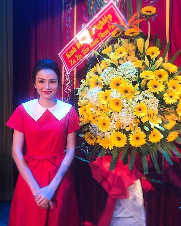 Hoa hậu Diễm Hương gây chú ý vì gương mặt khác lạ so với khi mới đăng quang-3