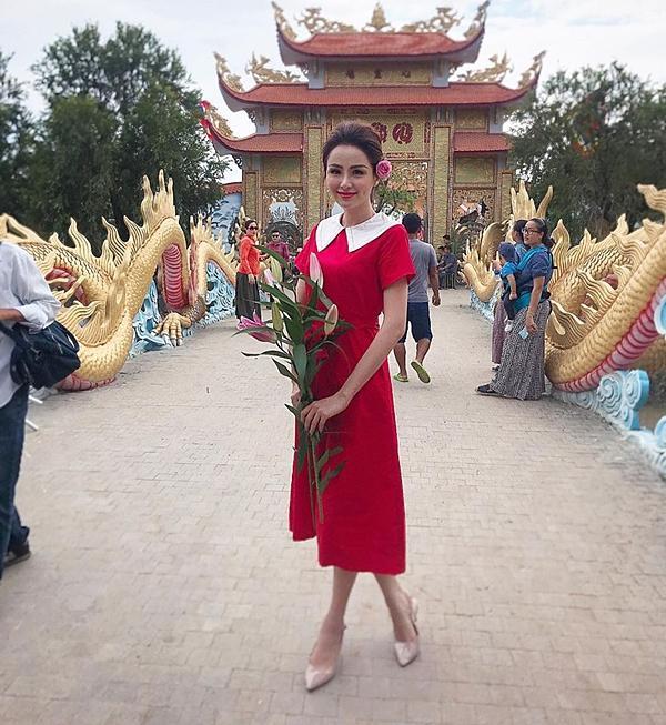 Hoa hậu Diễm Hương gây chú ý vì gương mặt khác lạ so với khi mới đăng quang-6