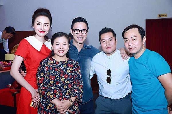 Hoa hậu Diễm Hương gây chú ý vì gương mặt khác lạ so với khi mới đăng quang-8