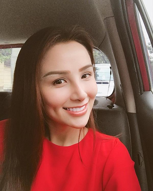 Hoa hậu Diễm Hương gây chú ý vì gương mặt khác lạ so với khi mới đăng quang-9