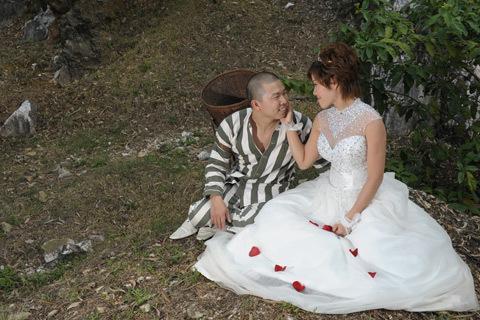 Những bộ ảnh cưới mang phong cách độc lạ của sao Việt-11