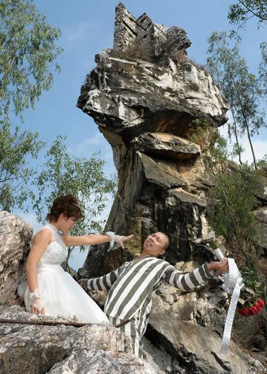 Những bộ ảnh cưới mang phong cách độc lạ của sao Việt-12
