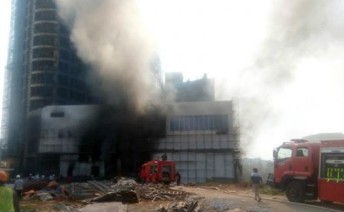 Cháy dữ dội ở trung tâm thương mại cao nhất TP Yên Bái-2