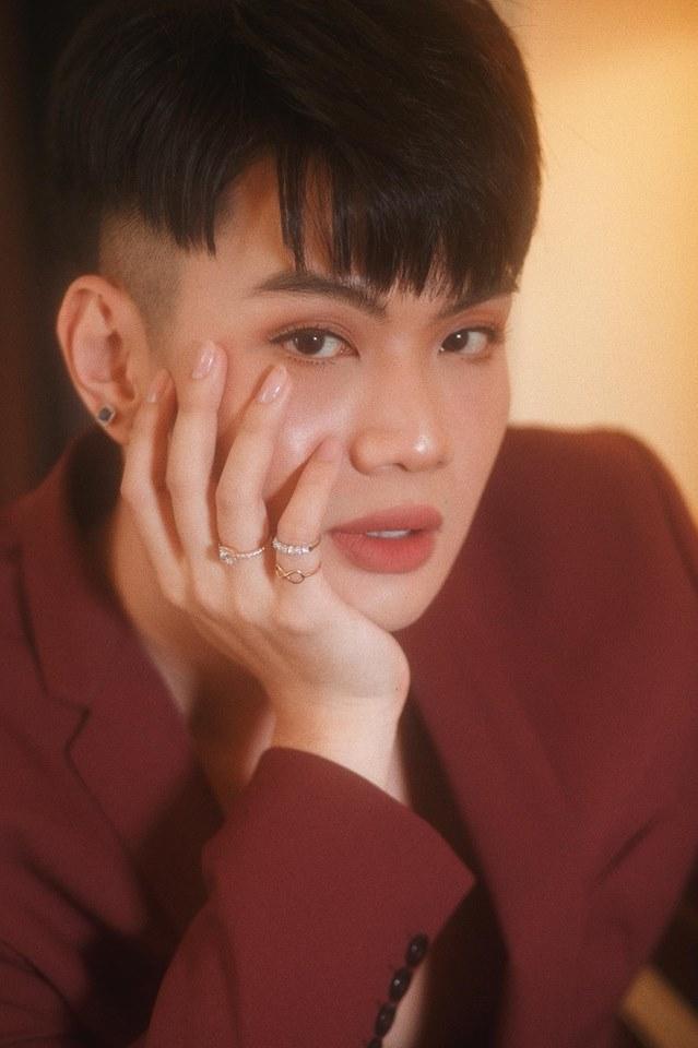 HỒ SƠ SAO - Đào Bá Lộc: Từ người tình tin đồn của Trấn Thành tới chân dung độc lạ nhất showbiz Việt-10