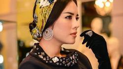 Học cách đeo găng tay sang chảnh đẹp như Lý Nhã Kỳ - Angela Phương Trinh
