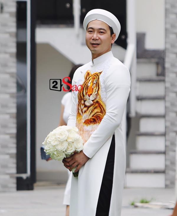 Lan Khuê cười rạng rỡ bên chồng - đại gia Tuấn John trong đám hỏi sáng nay-3