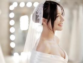 Video: Nhã Phương mặc áo cưới lộng lẫy đếm từng giờ lên xe hoa