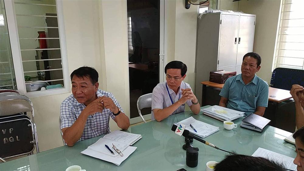 Vì sao tiểu thương chợ Long Biên phải è cổ nộp trăm triệu bảo kê?-3