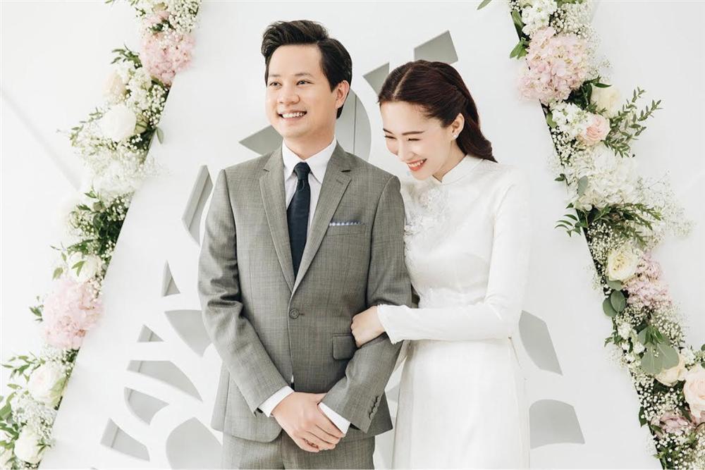 Đâu chỉ có Lan Khuê, rất nhiều mỹ nhân Việt đẹp thuần khiết khi mặc áo dài trắng trong ngày làm cô dâu-3