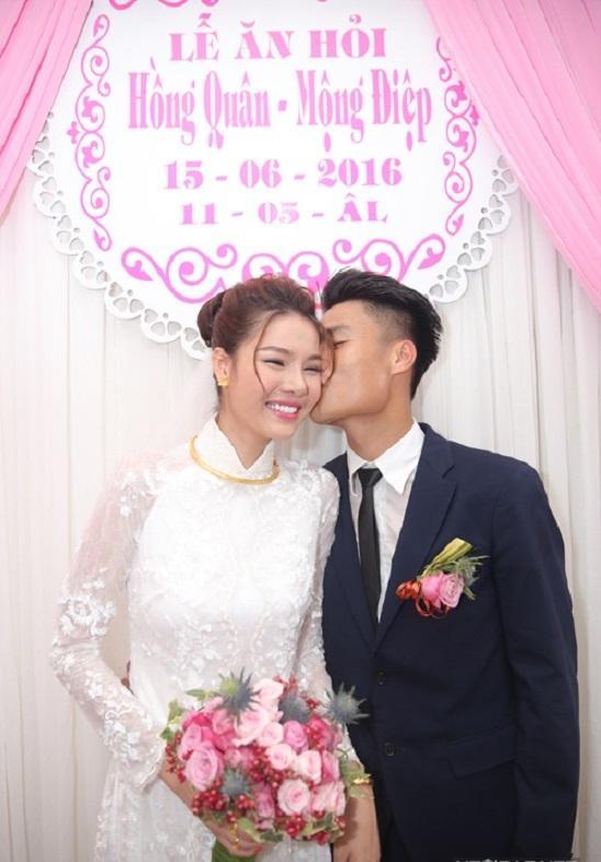 Đâu chỉ có Lan Khuê, rất nhiều mỹ nhân Việt đẹp thuần khiết khi mặc áo dài trắng trong ngày làm cô dâu-8