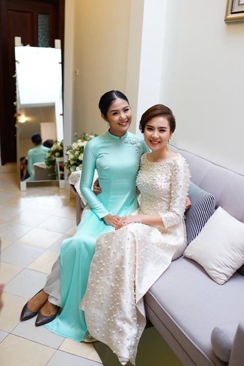 Đâu chỉ có Lan Khuê, rất nhiều mỹ nhân Việt đẹp thuần khiết khi mặc áo dài trắng trong ngày làm cô dâu-4