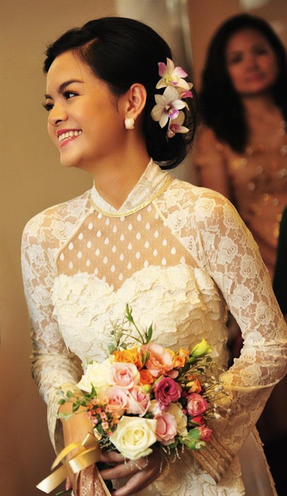 Đâu chỉ có Lan Khuê, rất nhiều mỹ nhân Việt đẹp thuần khiết khi mặc áo dài trắng trong ngày làm cô dâu-9