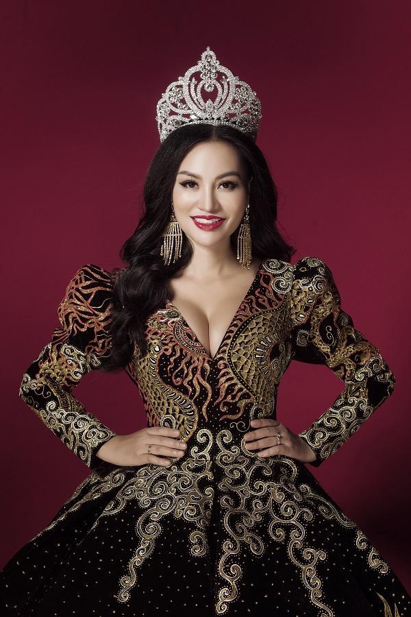 Trần Huyền Nhung tiết lộ về chiếc đầm mặc khi đăng quang-1