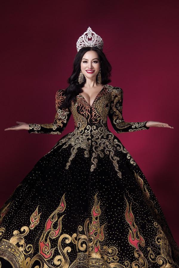 Trần Huyền Nhung tiết lộ về chiếc đầm mặc khi đăng quang-2