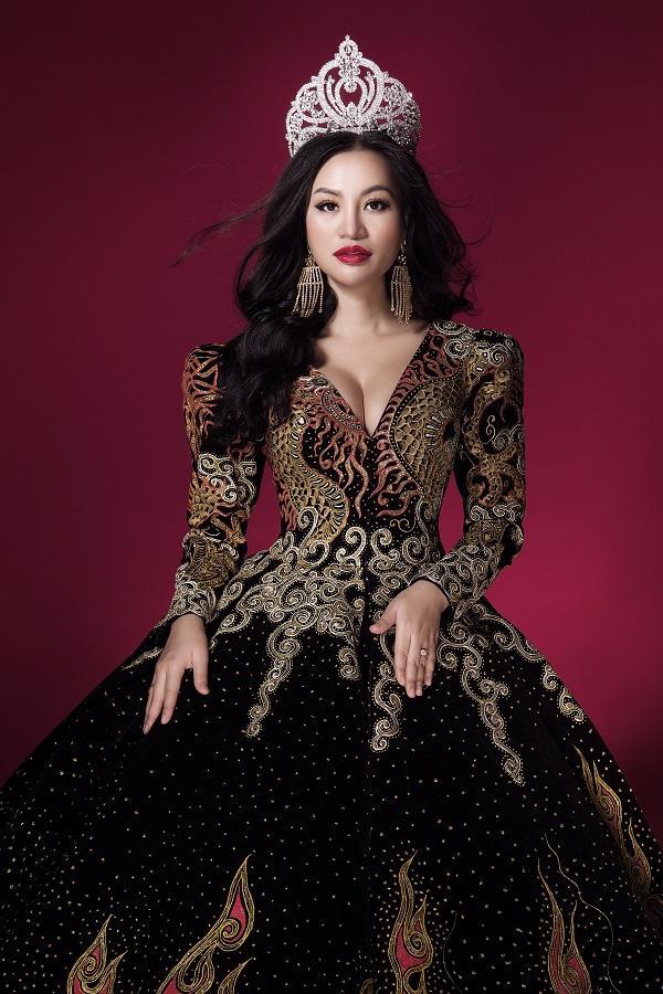 Trần Huyền Nhung tiết lộ về chiếc đầm mặc khi đăng quang-4