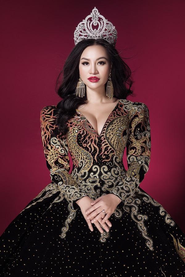 Trần Huyền Nhung tiết lộ về chiếc đầm mặc khi đăng quang-5