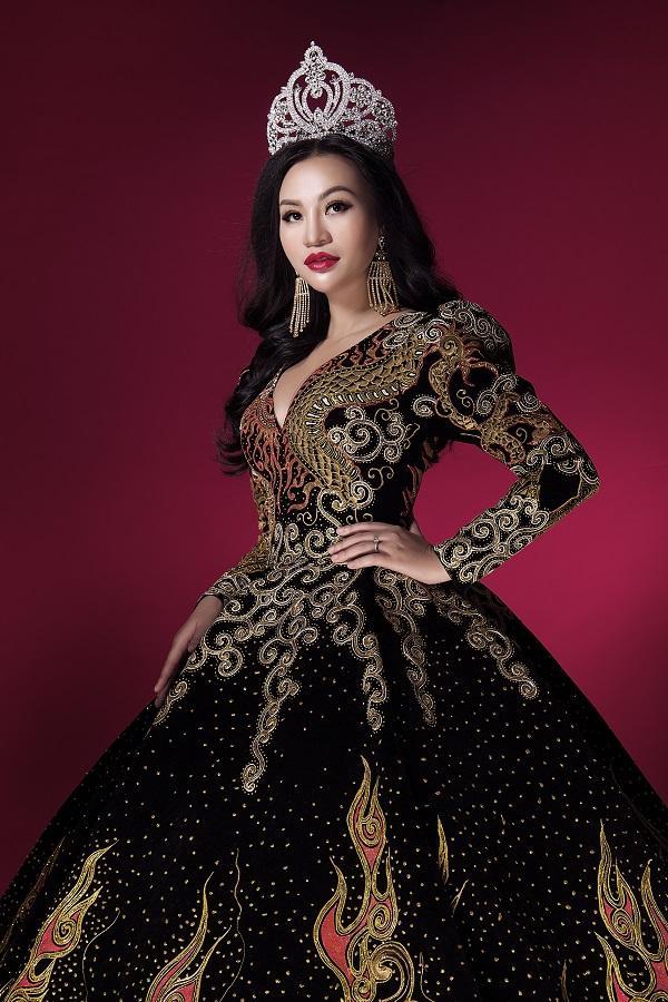 Trần Huyền Nhung tiết lộ về chiếc đầm mặc khi đăng quang-6